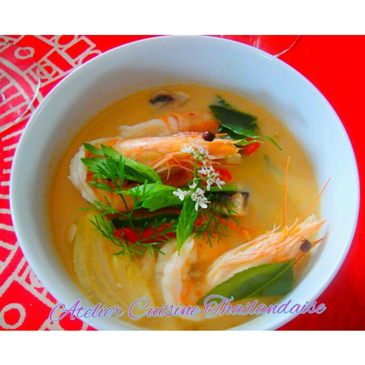 soupe de crevettes par Sawitree Renaux